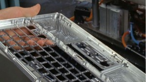man process05 300x168   Unikátní výrobní proces nových Apple Macbook