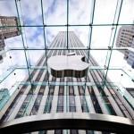 Apple posiluje maloobchodní tým, najal bývalého viceprezidenta Levi Strauss [Aktualizováno]
