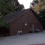 Součástí futuristického kampusu Applu bude i 100 let stará stodola
