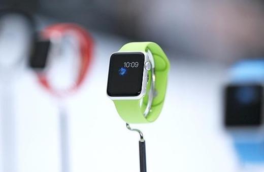 Nejprve vznikl nápad s hodinkami, až pak se řešilo, k čemu budou, říkají klíčoví muži stojící za Apple Watch