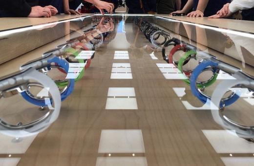 Apple prý za 24 hodin v USA prodal téměr milion Apple Watch
