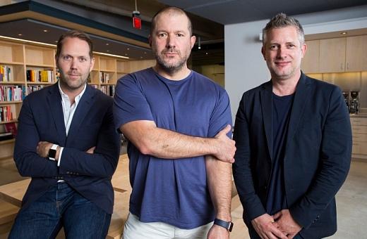 Jony Ive je v Applu nově designovým ředitelem. Bude mít volnější ruce