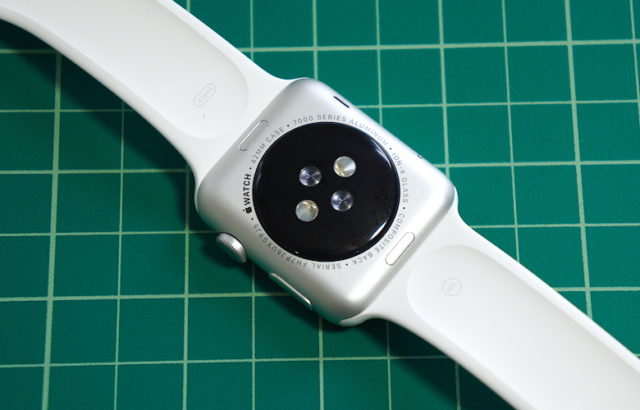 apple-watch-heart-sensor