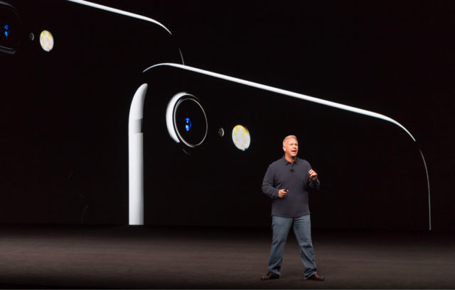 phil-schiller-iphone7-keynote-september2016
