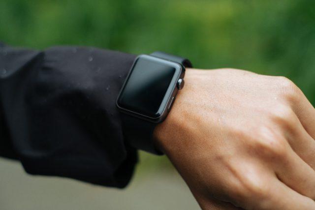 apple-watch-hand-off