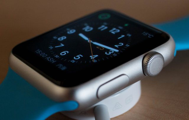 apple-watch-face-detail